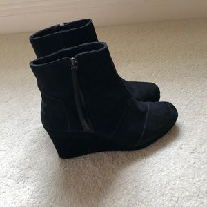 Toms size 9 black boots
